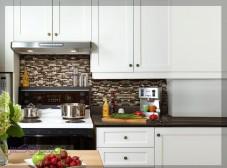 طراحی فضای بین کابینت آشپزخانه